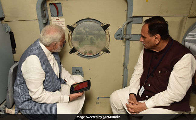 PM Modi takes aerial view of floods